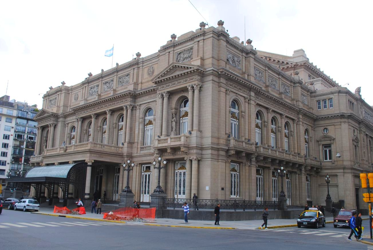 08-Colon-Theatre