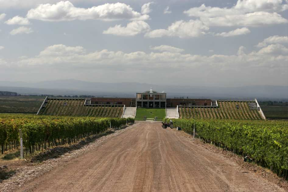 D4-1-Monteviejo-Winery-at-Clos-de-los-7